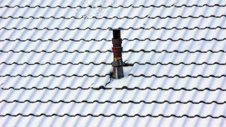 Jak układać podkład z papy pod dachówką?